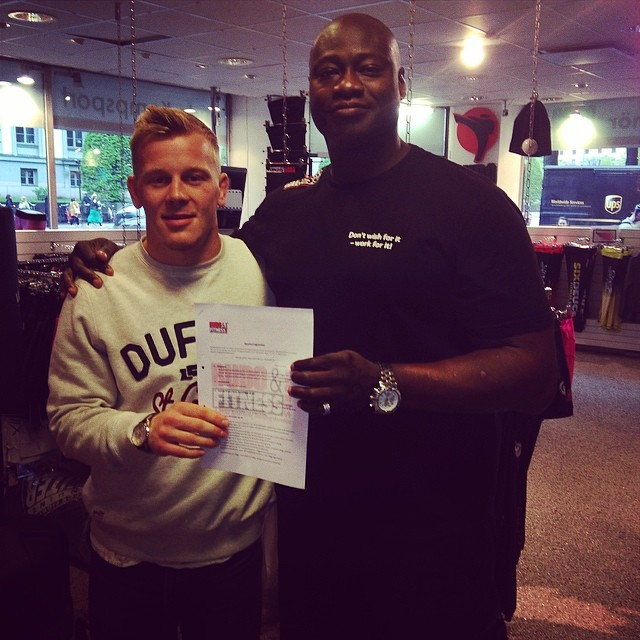 Fredrik signar med Team Budo&Fitness