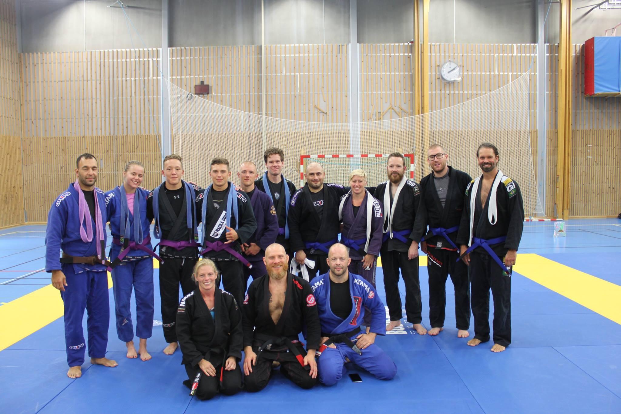 Linda Lindström och Micke Alpäng graderade till svart bälte i BJJ